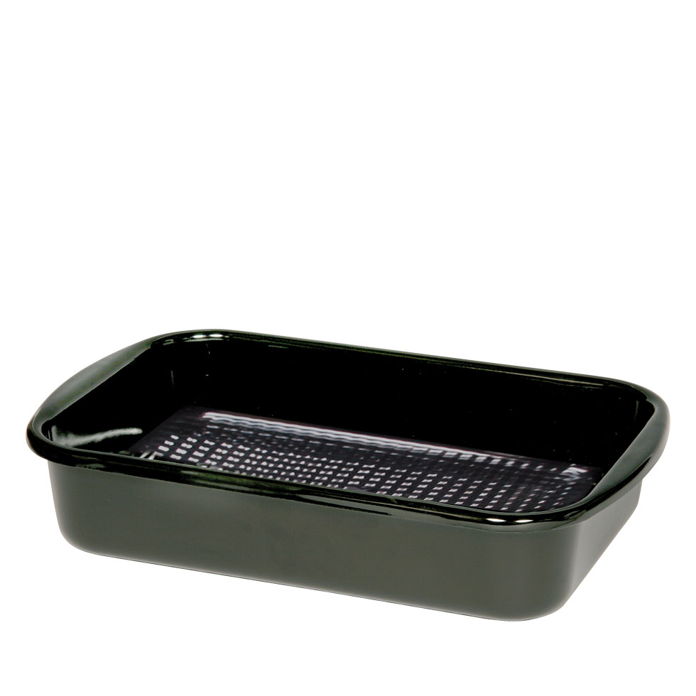 Rectangular grill pan with ribbed base