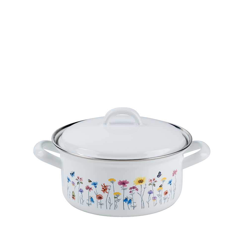 Casserole with lid 16
